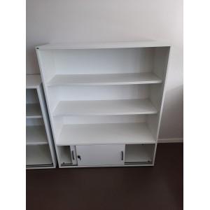 Etagère Sedus blanche 3 étagères et 2 portes 145x120x44